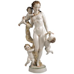 Hutschenreuther Selb Germany Lady Nude Aphrodite with Cherubs, circa 1946-1948