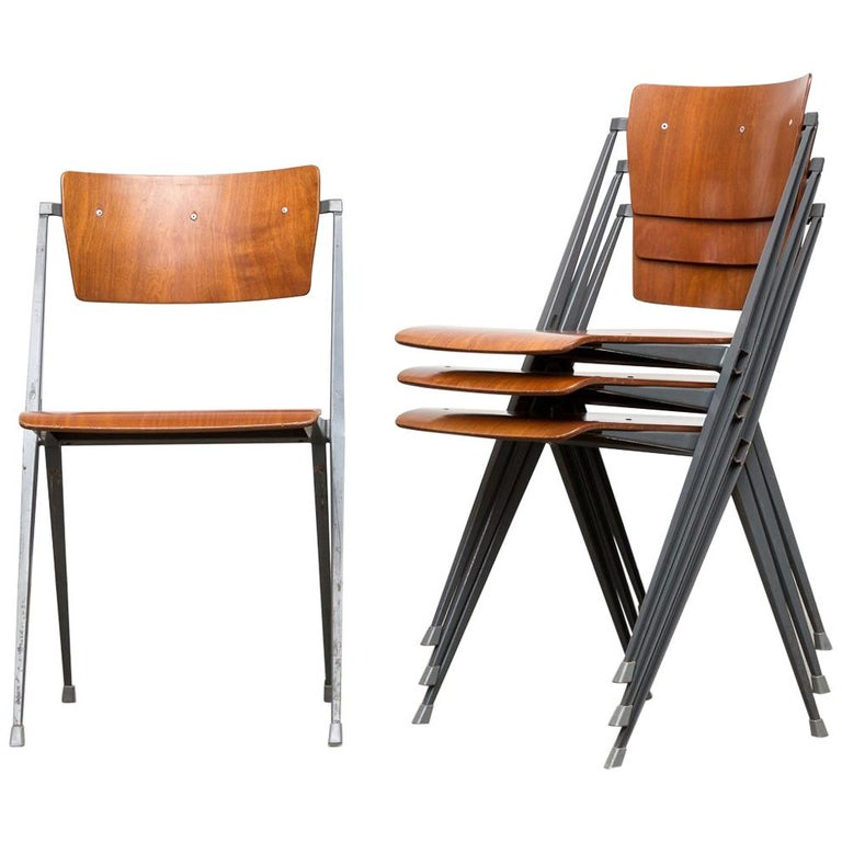 Rare Set of 4 Rietveld ''Pyramid'' Chairs for Ahrend the Cirkel For Sale