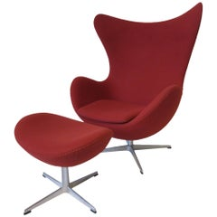 Arne Jacobsen Egg Chair with Ottoman for Fritz Hansen