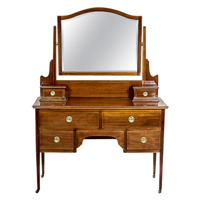 Antique English Vanity Veneered with Mahogany, circa 1890 1