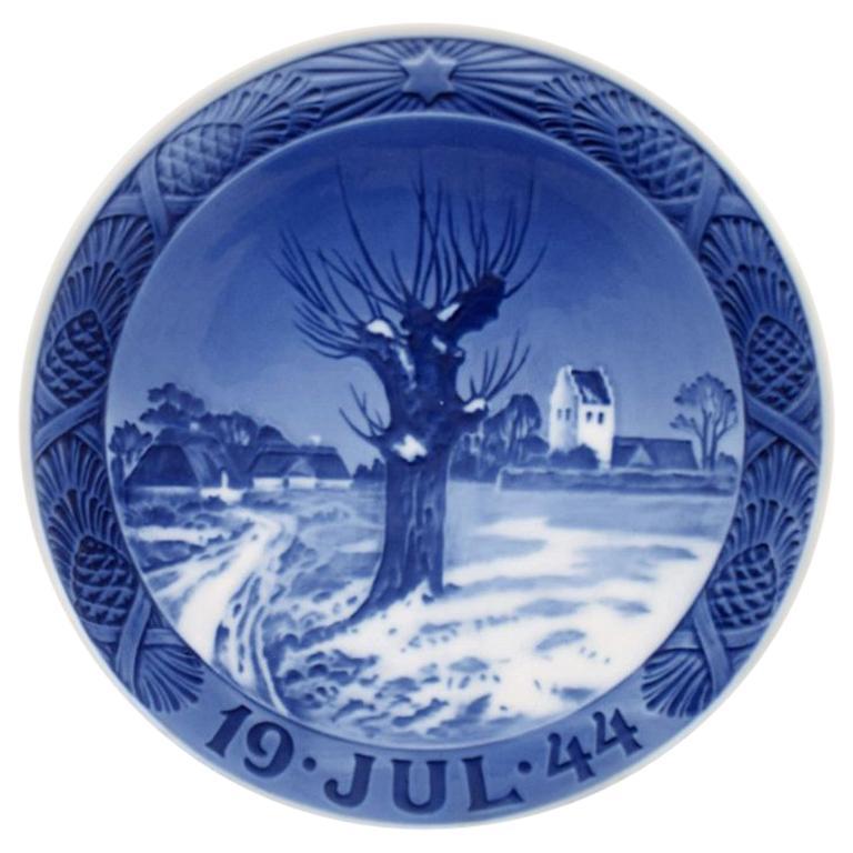 royal copenhagen christmas plate from 1944 - Royal Copenhagen Christmas Plates