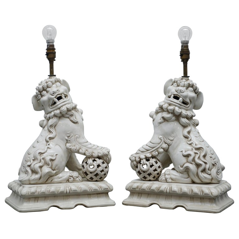 Stunning Pair of Midcentury Ceramic Chinese Lion Foo Dog Guardians Table Lamps