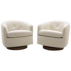 Pair of Milo Baughman Tilt Swivel Club / Lounge Chairs, New Off White Boucle.