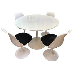 Midcentury Saarinen Style Dining Set Tulip Table and Four Chairs