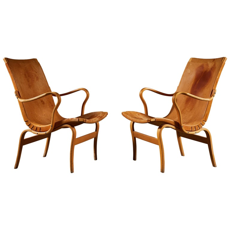 Pair of Leather Eva Chairs by Bruno Mathsson