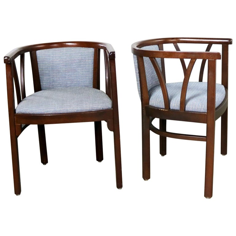Pair of Art Deco Bauhaus Style Bistro Side Armchairs by Loewenstein-Oggo For Sale