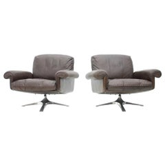 Pair of Swivel Leather Lounge Chairs DS 31 by De Sede, 1970s
