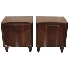 Chic Mid-Century Modern Pair of Walnut Side or End Tables
