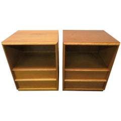 Lovely Pair of T.H. Robsjohn-Gibbings Nightstands for Widdicomb, Midcentury