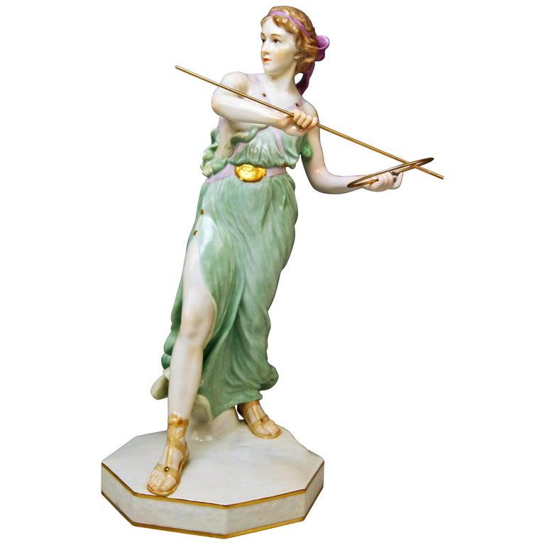 Meissen Figurine Girl Throwing Hoop Reifenspielerin A 235 by R. Boeltzig For Sale