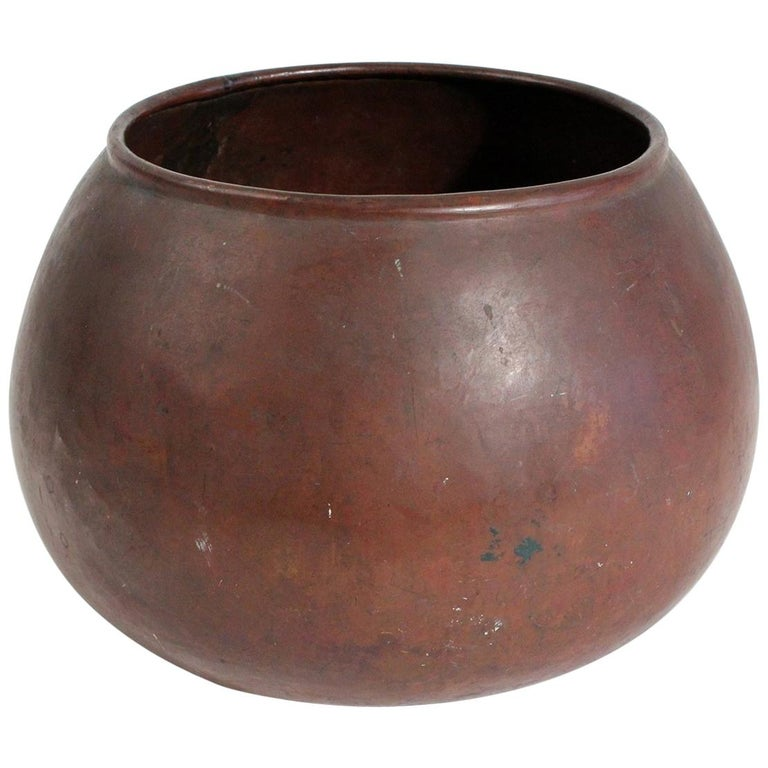 1910 Dirk Van Erp & D'arcy Gaw Hand-Hammered Copper Warty Jardiniere Vase Pot For Sale