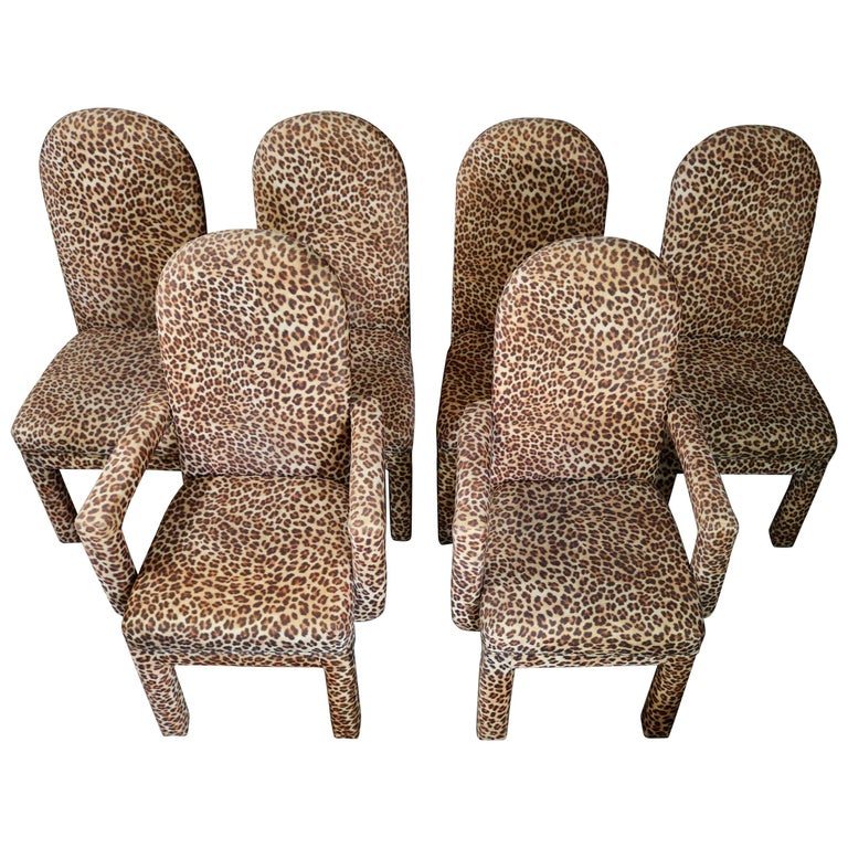 Mid-Century Modern Set of 6 Faux Leopard Dining Chairs 4 Armless / 2-Arm For Sale