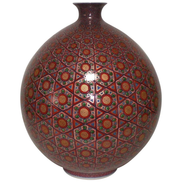 Large Contemporary Japanese Red Gilded Imari Porcelain Vase by Master Artist