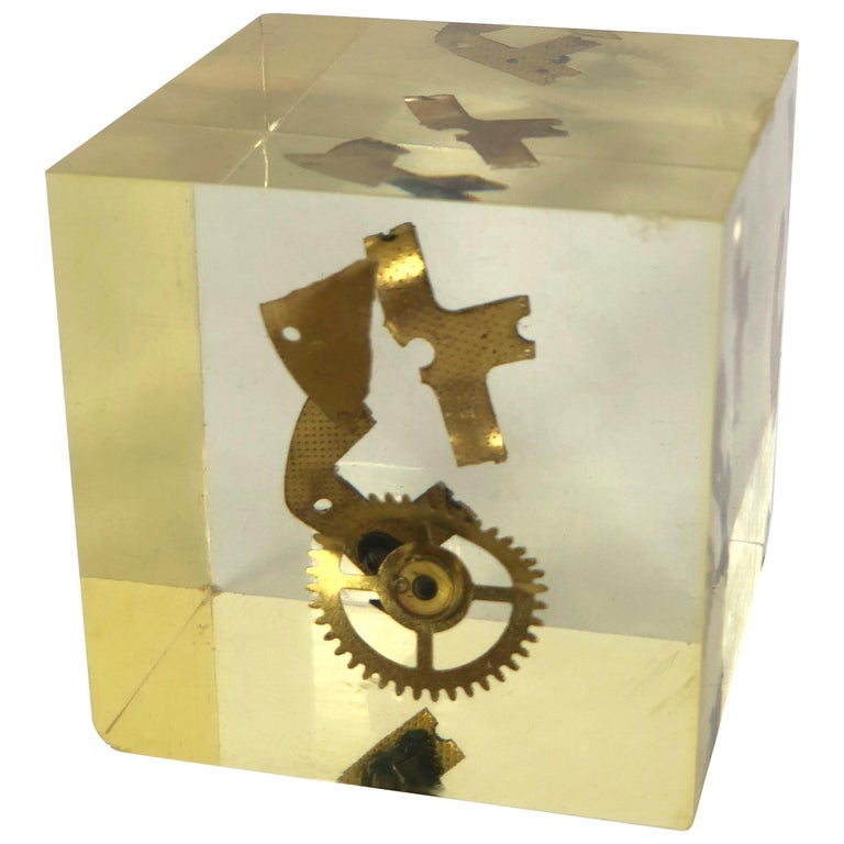 Modernist Lucite Resin Cube Sculpture with Gears Pierre Giraudon, France, 1970s