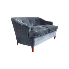 1930s Tufted Art Deco Settee Reupholstered in Brushed Velvet