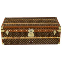 Beautiful 20th Century Louis Vuitton Monogram Canvas Cabin Trunk, circa 1940