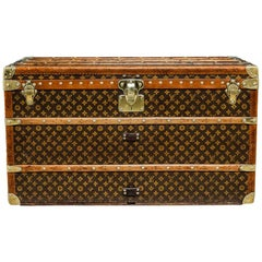 Antique 20th Century Gorgeous Louis Vuitton Monogram Canvas Courier Trunk