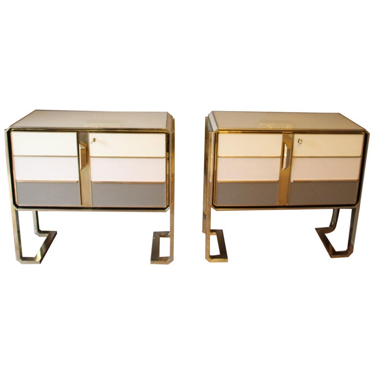 1970s Italian Art Deco Design Pair of Brass, Beige-Grey Murano Glass Cabinets For Sale