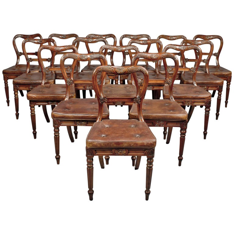 Set of 18 Red Walnut Dining Chairs Attributed to Gillows, circa 1830 For Sale