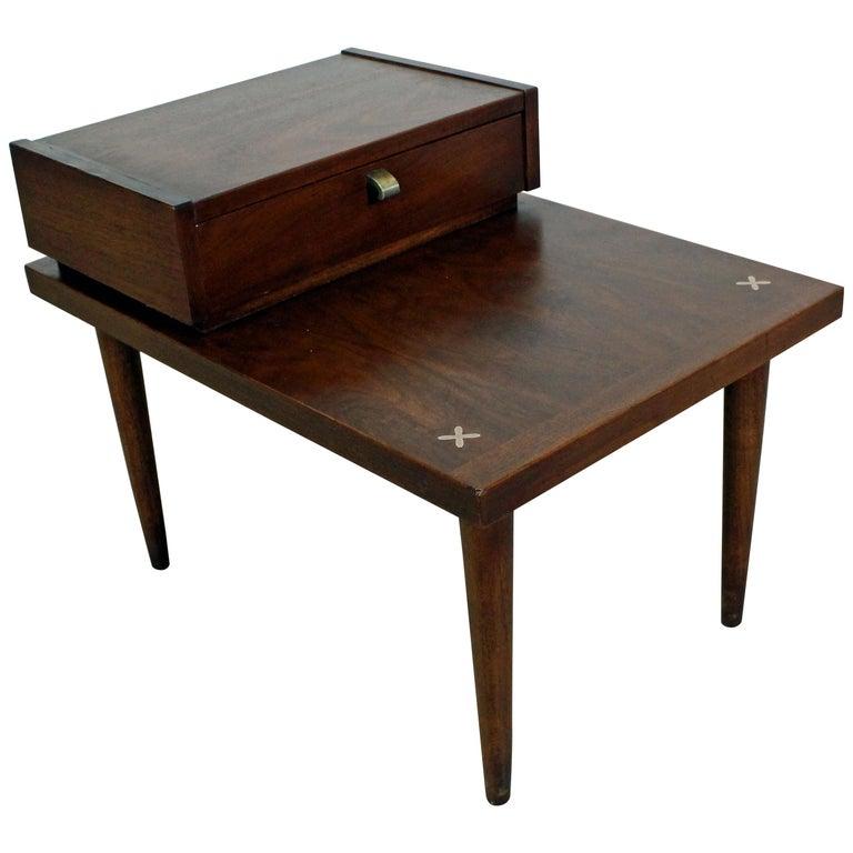 Mid-Century Modern Merton Gershun American of Martinsville Walnut End Table For Sale