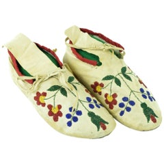 Santee Sioux Moccasins
