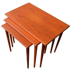 Westnofa Teak Set of 3 Nesting Tables with Conical Legs, the Lower Two Float