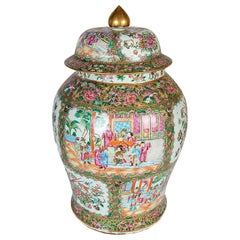 Large 19th Century Chinese Rose Medallion Lidded Vase