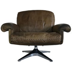 Midcentury Patinated Swivel Lounge Chair DS 31 by De Sede, 1970s