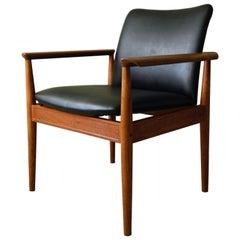 Finn Juhl Model 209 Diplomat Chair in Teak and Black Vinyl by Cado