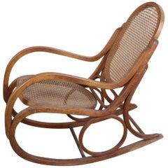 20th Century Italian Bent Beech Rocking Chair in the Style of Gebrüder Thonet