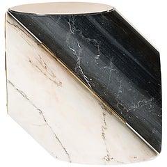 Jacobsen Beistelltisch aus Poliertem Messing und Marmor von Essential Home