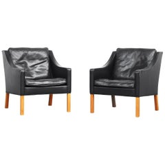 Pair of Lounge Chairs 2207 by Børge Mogensen for Fredericia Stolefabrik