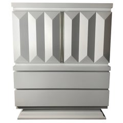 Stunning Modernist White Lacquered Chest, Sculpted Diamond Pillar Design