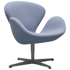 Fritz Hansen Swan Swivel Armchair Designed by Arne Jacobsen for Sas