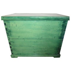 Pine Green Storage Trunk Hungarian