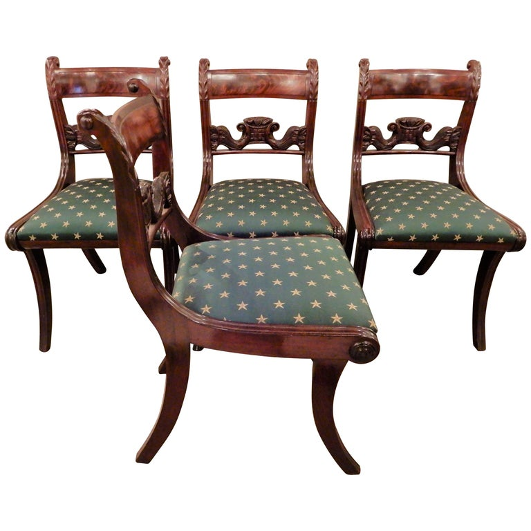 Chairs American Classical NY Dining Set of 4 For Sale