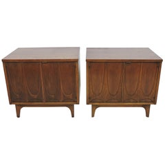 Broyhill Brasilia Mid-Century Modern Walnut Pair of Nightstands or End Tables