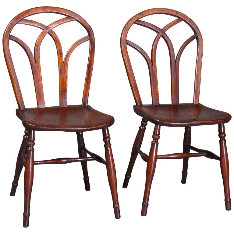 Good Pair of Early 19th Century Gothic Hoop Back Elm Windsor Side Chairs