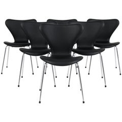 Arne Jacobsen Dining Chair, Model ''Syveren'' 3107, Black Aniline Leather