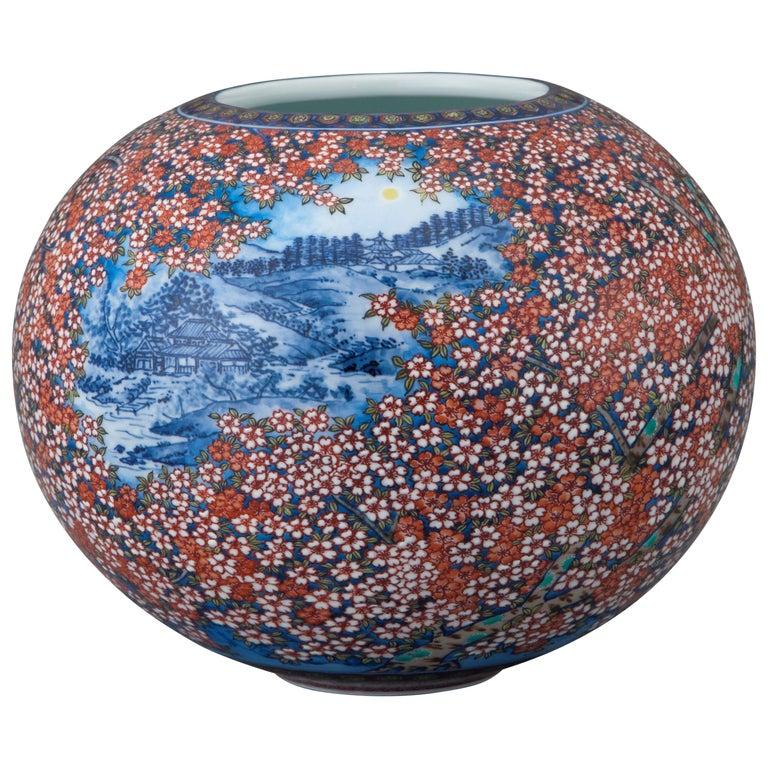 Japanese Imari Hand Painted Decorative Porcelain Vase by Master Artist, 2018