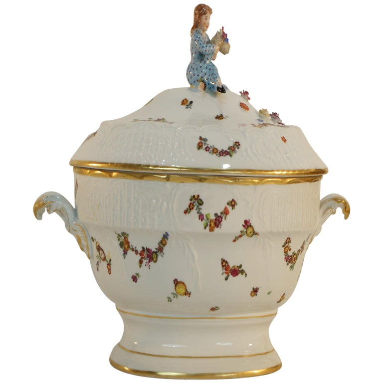 Tureen, Hungary, Late 19th Century Porcelain Hand Painted Herend 1