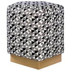 Ermes Pentagon Brasilia Pouf mit Rundung Kollektion, Messing oder Stahl Sockel
