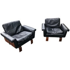 Jorge Zalszupin Jacaranda and Leather Lounge Chairs, Pair, Brazil, circa 1960
