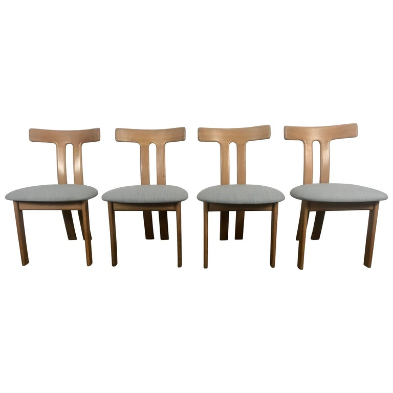 """Set 4 Dining Chairs Attributed to Ole Wanscher, """"T"""" Chair Knoll Fabric For Sale"""