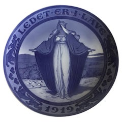 Royal Copenhagen Commemorative Plate from 1919 RC-CM185