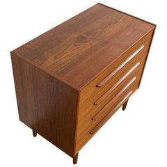 Midcentury Danish Chest of 4 Drawers in Teak with Straight Long Drawer Handle
