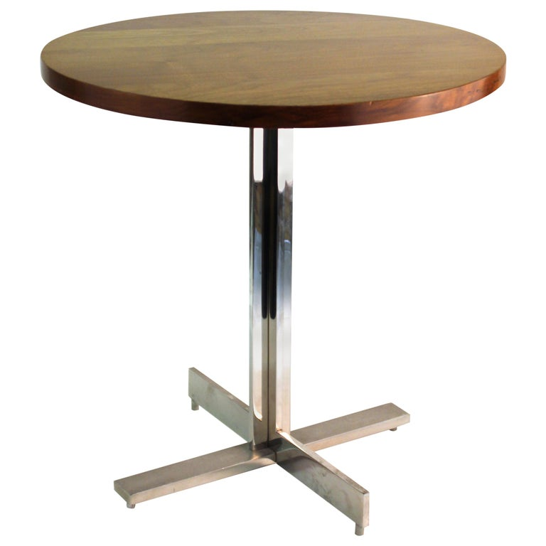 Mid-Century Modern Round Side Table in Style of Hans Eichenberger For Sale