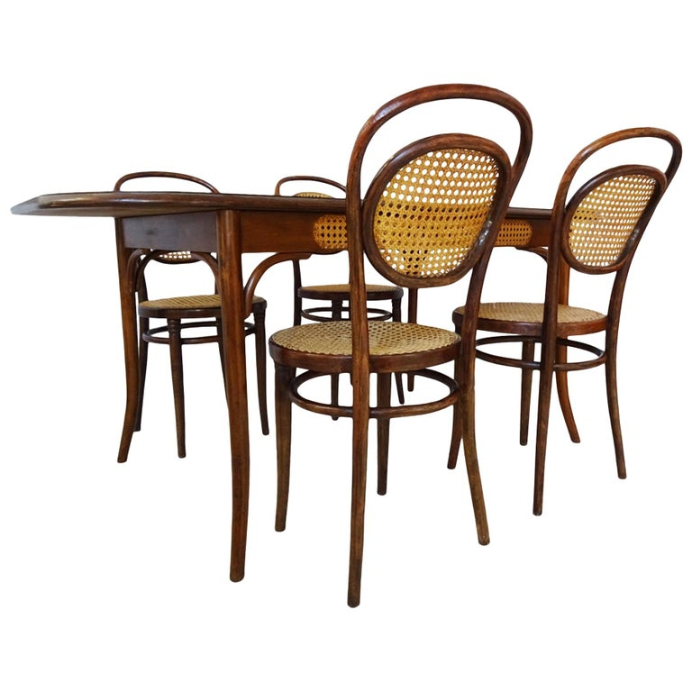 Dining set - Antique Michael Thonet Designed No.11 Chairs and matching table For Sale