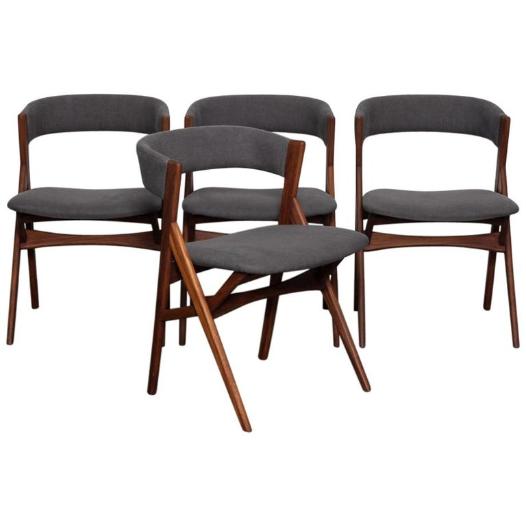 Set of 4 Teak 1950s Curved Back Danish Dining Chairs For Sale