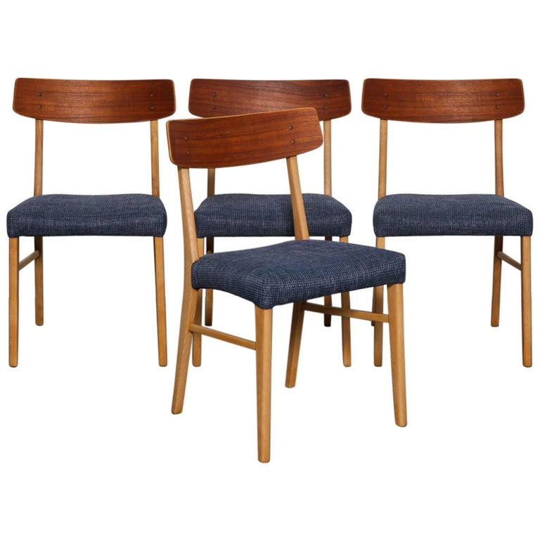 Set of 4 Teak and Beech 1950s Danish Modern Dining Chairs with Navy Seats For Sale